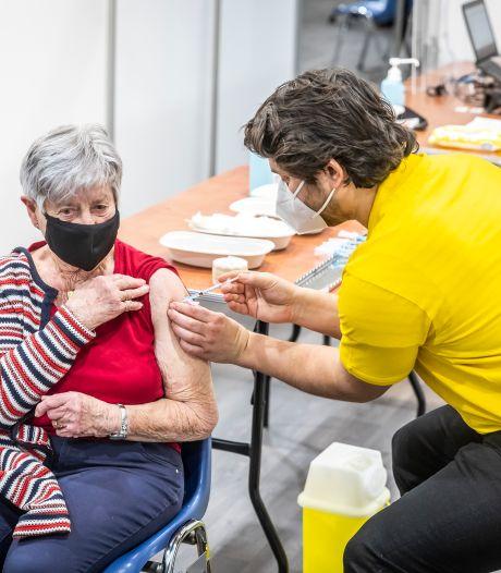 Twee XL vaccinatielocaties in de regio, huidige prikplekken in Helmond, Best en Valkenswaard worden ontmanteld
