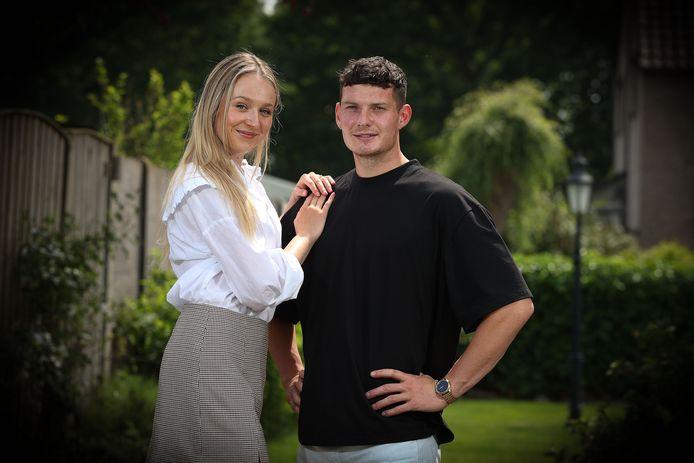 """Olivier Vliegen en zijn vriendin Katarina genieten momenteel van een korte vakantie in Maasmechelen. """"Eind juni trek ik opnieuw naar Tsjechië met het doel om eerste keeper van Slovan Liberec te worden"""", blikt Vliegen vooruit."""