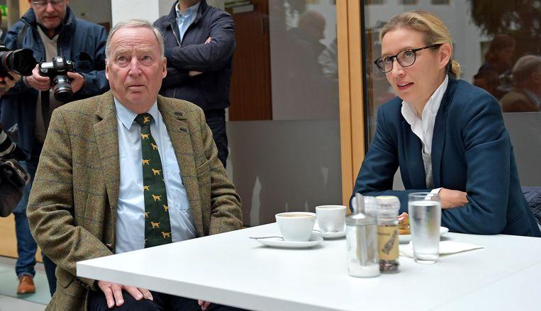 Alexander Gauland (L) en Alice Weidel. Beeld epa