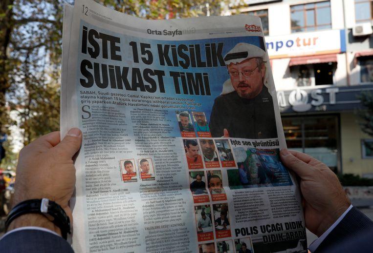 De verdwijning van Jamal Khashoggi haalt kranten wereldwijd. Deze krant kopt op een 15-ledig moordeskader.  Beeld AP