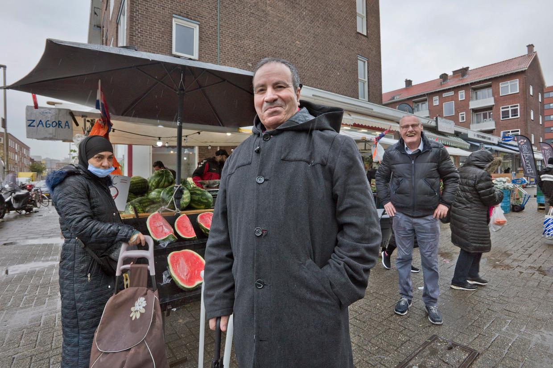 Mohamed Bouimj, directeur van Stichting Platform Islamitische Organisatie Rijnmond. Door voorlichting te geven in moskeeën probeert hij vaccinatietwijfelaars te overtuigen.