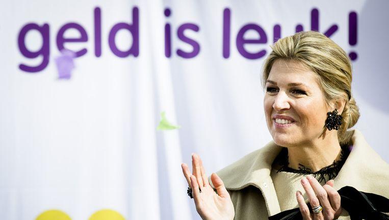 Máxima wordt vergezelt door staatssecretaris Jetta Kleinsma Beeld anp