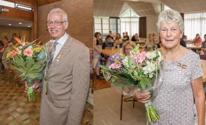 Joop Versluijs en Ria van 't Hof kregen zaterdagochtend beide een koninklijke onderscheiding.