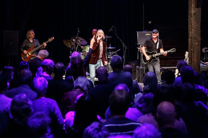 In 2015 trad My Brainbox op in De Schuur met op de voorgrond Bert Heerink en Jan Akkerman.