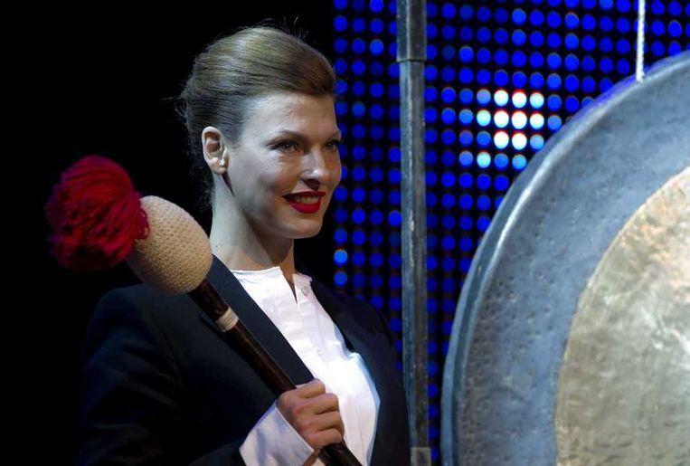 Linda Evangelista (foto) en beursorganisator Yves Gijrath openden donderdag de beurs Masters of LXRY, voorheen de Miljonair Fair, in de Amsterdam RAI. Het evenement duurt tot en met aanstaande maandag. Beeld anp