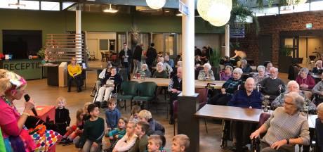 Jong ontmoet oud in De Wijngaerd: 'Wanneer de kinderen binnenkomen zie je de ouderen opleven'