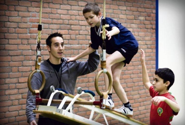 Meer dan de helft van de gymles op de basisschool wordt door gewone leraren gegeven. (FOTO ERIK VAN DER BURGT, HH) Beeld