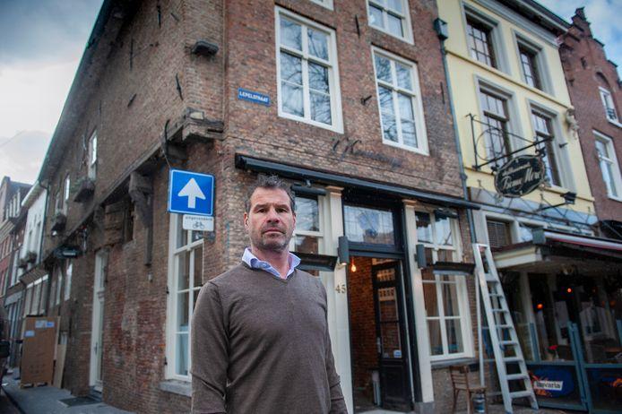 Eigenaar Toine van Stiphout voor bistro 't Keershuys: ,,Twee jaar moeten vechten om mijn gelijk te halen.''
