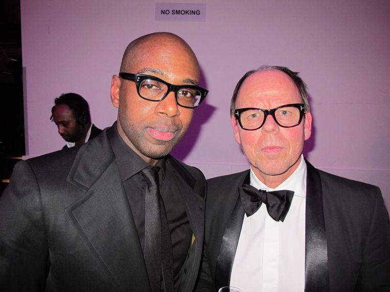 Mannen met brillen: stylist Steven Dahlberg (l) en JFK-hoofdredacteur Willem Baars. <br /> Beeld null