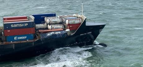 Twee van vijf verloren containers van vrachtschip gespot in zee boven Wadden