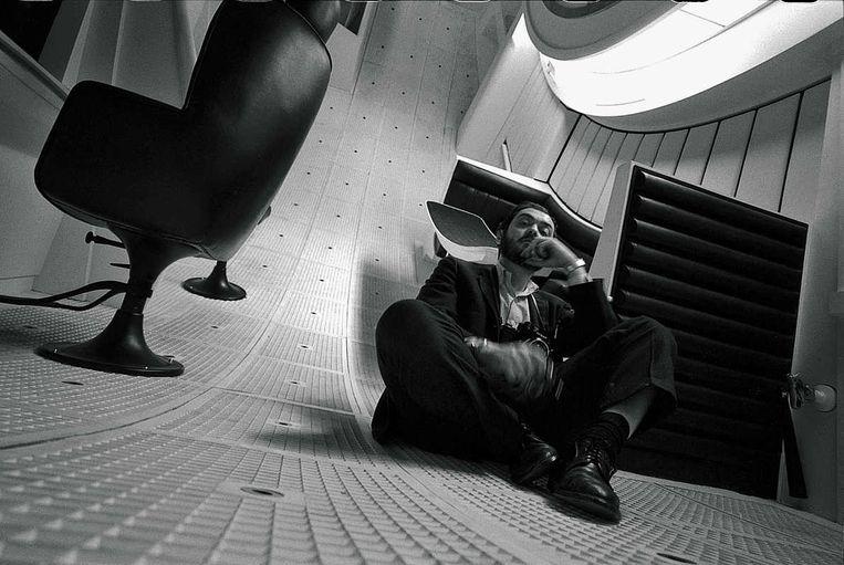 Kubrick op de Space Station V-set. Beeld Warner Bros. Entertainment