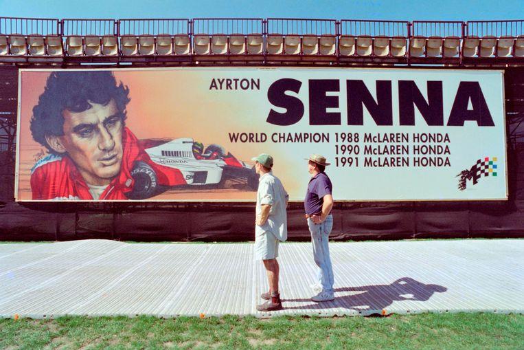 Een eremuur voor Senna in Melbourne. Hij wordt wordt geëerd van Australië tot Italië. Beeld AFP