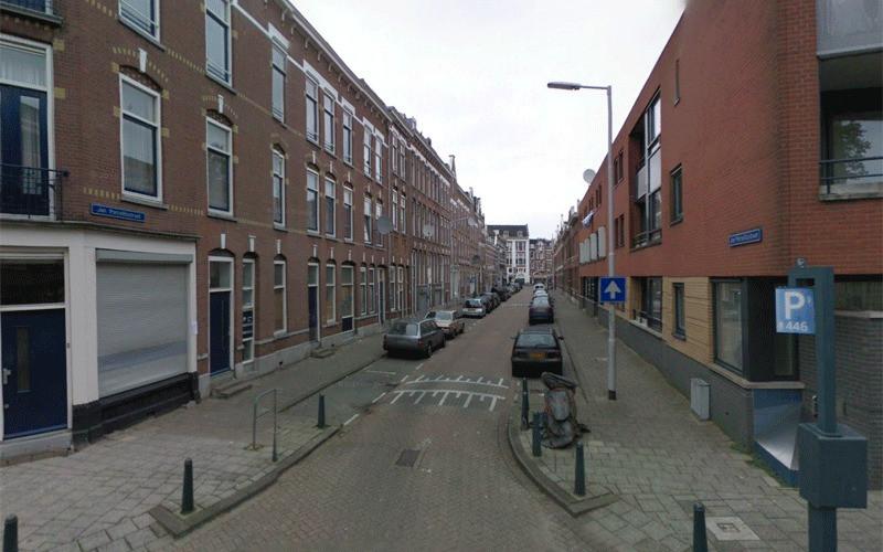 Volgens RTV Rijnmond gaat het om een woning in de Jan Porcellisstraat.