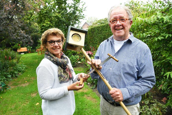 Gerrie en Anno Govers met hun 'cork op de paal'.