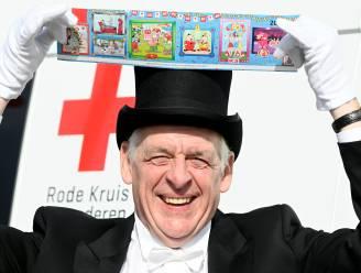 """Stickeractie van Rode Kruis van start, en 'meneer de burgemeester' zag dat het goed was: """"Hopelijk betere opbrengst dan vorig jaar"""""""