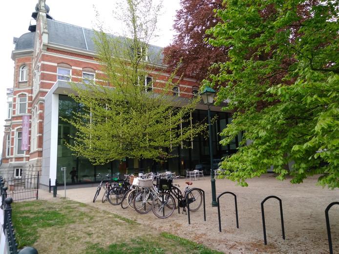 Aan de parkzijde van museum Jan Cunen opent dinsdag Café Cunen.