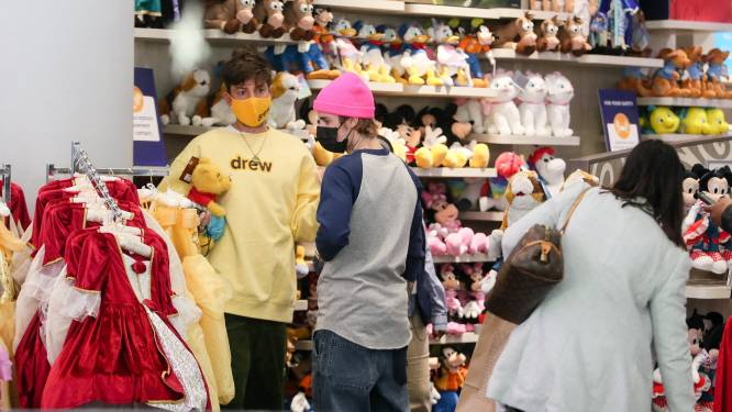 Disney sluit 60 winkels in VS en overweegt sluiting Europese winkels