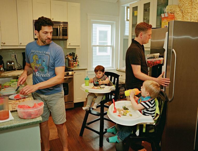 Al en Chris met hun zonen Tommy and Luca, Asbury Park, New Jersey, VS.  Beeld Bart Heynen