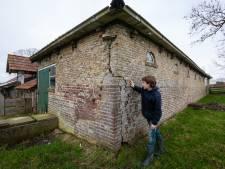 Scheuren en barsten; Friese boerderij keldert sinds hete zomer achteruit