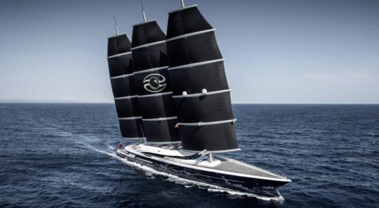 De Black Pearl, gebouwd door Oceanco. Het jacht van Jeff Bezos moet nog 20 meter langer worden. Beeld rv
