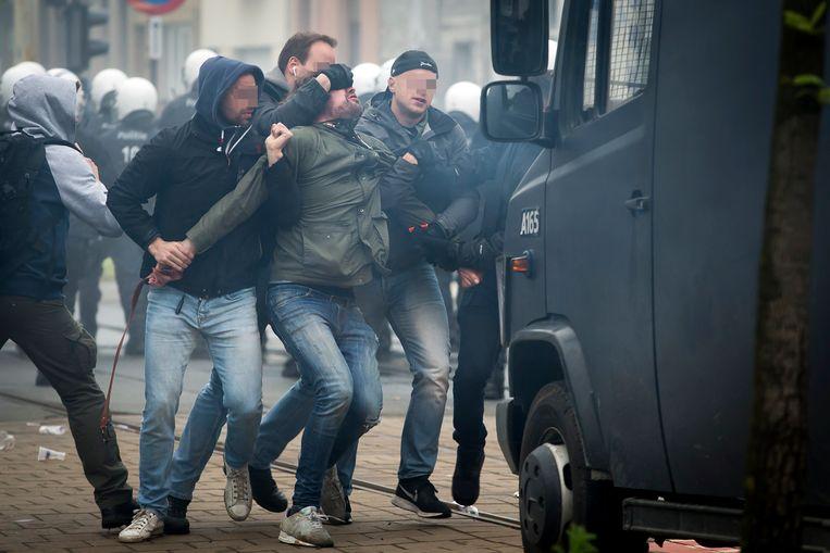 Na de wedstrijd tussen Beerschot Wilrijk en Antwerp braken rellen uit.