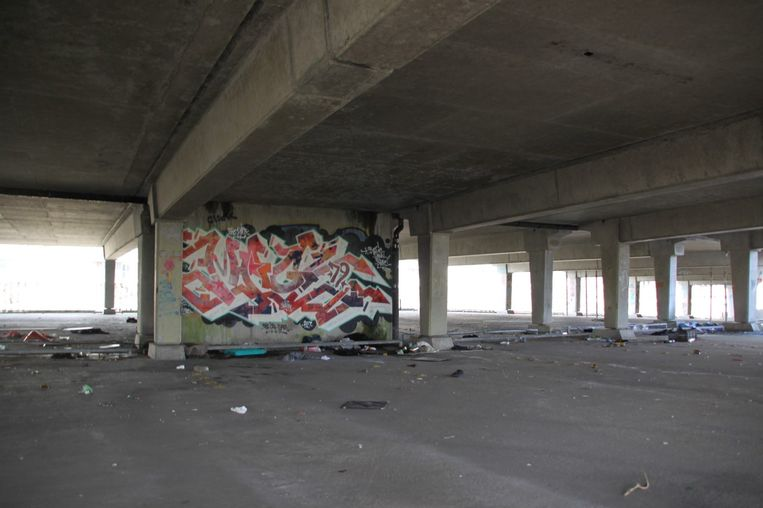 De graffiti uit parkeergarage Kempering is met de sloop verdwenen, maar blijft ook behouden dankzij een nieuw boek en straks een 3D-film. Beeld uit boek 'Graffiti in de Kempering'
