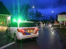 'Vluchtende scooterrijder' komt onder politieauto terecht in Gendringen en raakt gewond