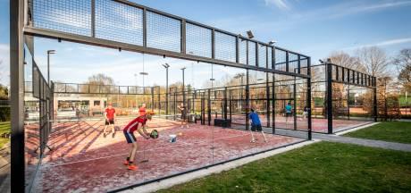 's Nachts inloggen om zeker te zijn van plekje om te padellen; tennisvereniging Eersel breidt uit met twee banen