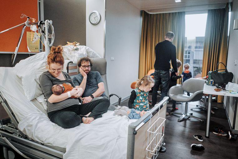 Kamer in de kraamafdeling van AZ Delta in Torhout, een materniteit die mogelijk op de wip zit. Beeld Thomas Sweertvaegher