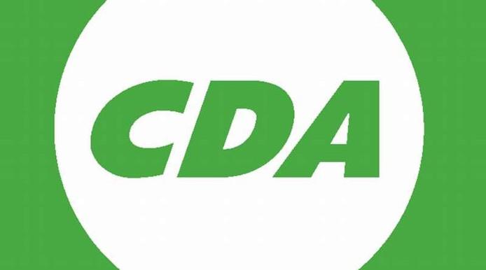 De Borselse CDA'ers zijn te herkennen aan hun groene T-shirts en elektrische solexen.