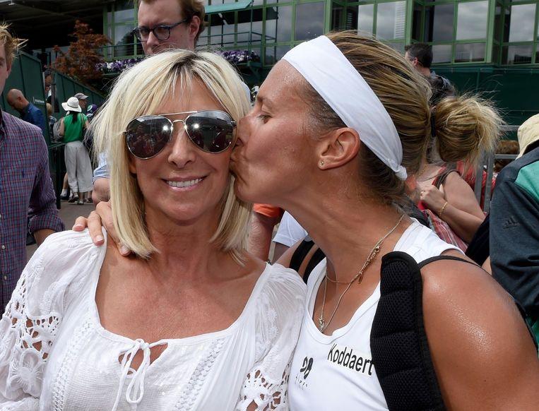Flipkens heeft een kus over voor haar mama. Beeld photo_news