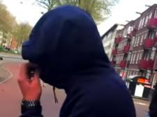 15-jarige die homo's uitschold mag weer naar huis: 'Maar twee weken niet op straat hangen'