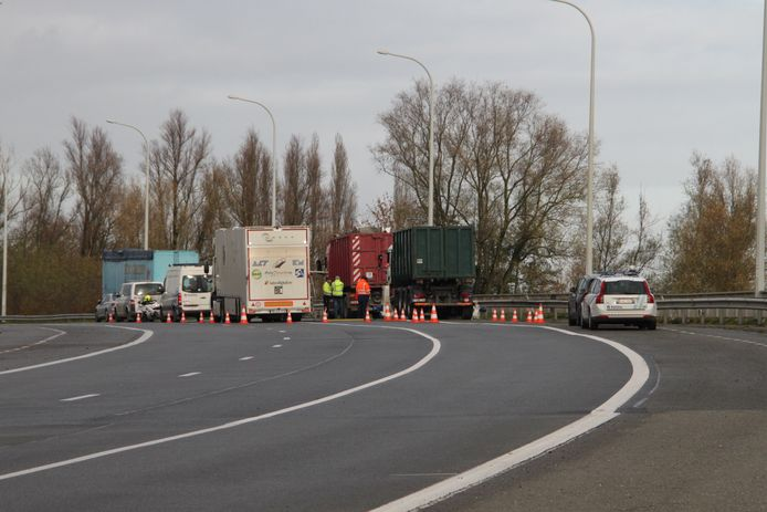De controle vond op de brug over het kanaal in Ingelmunster plaats.
