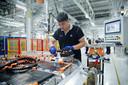 Batterijproductie voor elektrische BMW's in China.