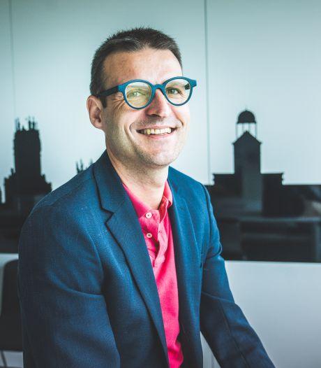 """Gentse ondernemer helpt oudere brillendragers uit de nood: """"Sterkte van de glazen aanpassen? Even op de knop drukken"""""""