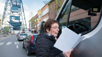 'DichterbijdeBrug' trakteertwachtendeautomobilistenopportiepoëzie