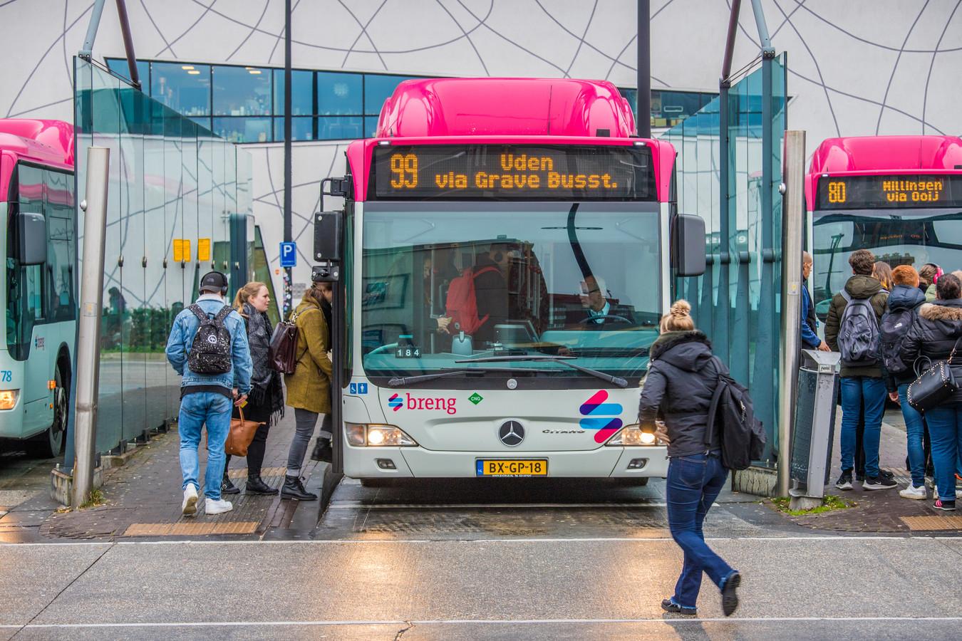 Buslijn 99 van Nijmegen naar Grave.