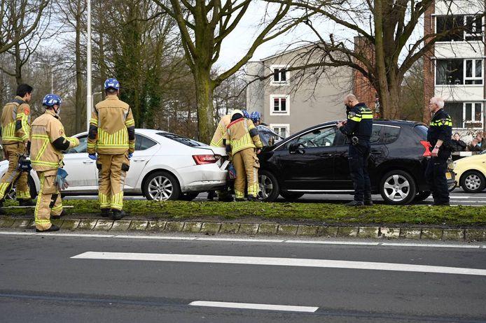 Een vrouw is vrijdagmiddag gewond geraakt bij het ongeval in Almelo.