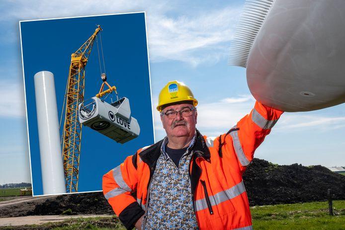 Jan van Werven bij een windmolen in aanbouw. Inzet: de turbine met 'Love' wordt in elkaar gezet.