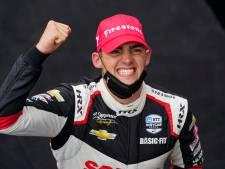 Emotionele Van Kalmthout schrijft geschiedenis in IndyCar: 'Droom al jaren van dit moment'