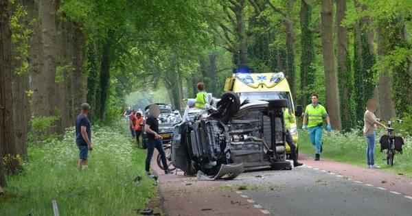 Bestuurder bekneld in auto na ernstig ongeluk in buitengebied Vorden.