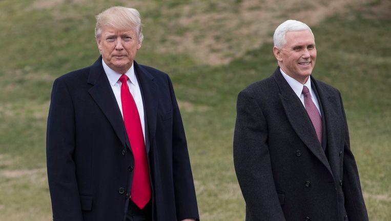 President Donald Trump met zijn vicepresident Mike Pence in de tuin van het Witte Huis.