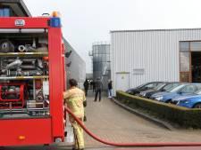 Bedrijf in Enter ontruimd vanwege brand in silo met houtsnippers