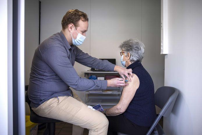 Een pop-up vaccinatielocatie van de GGD in Zandvoort.