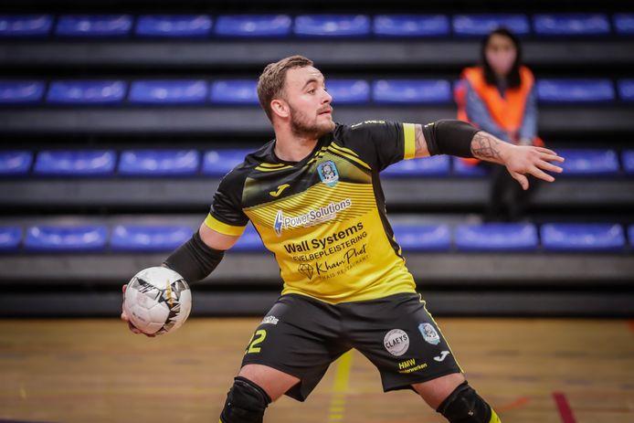 Dries Vrancken hier in actie met zijn team FULL Hasselt, pakte afgelopen weekend zijn eerst cap bij  de Futsal Red Devils. België won de oefenpartij tegen Nederland met 1-0.