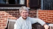 """Jeannine (70) wandelt straks twaalfde tocht voor goede doel, deze keer 800 km: """"Opbrengst voor palliatieve afdeling Vesalius, waar mijn man zo goed verzorgd werd"""""""