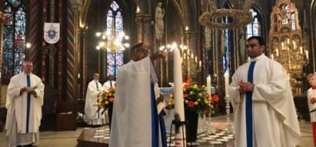 Pastoor James Joseph langer in Edith Stein parochie