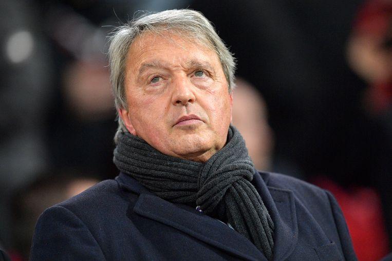 De ontslagen manager van voetbalclub Anderlecht, Herman Van Holsbeeck, (foto) eist zo'n 1,8 miljoen euro van Marc Coucke.
