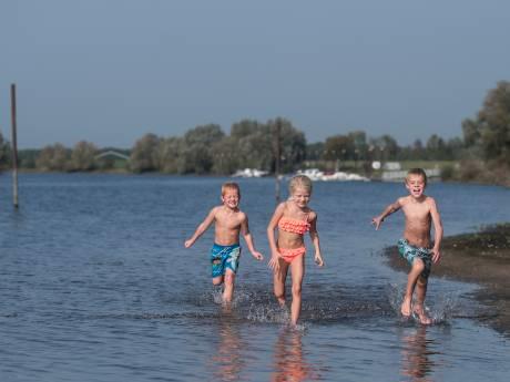 Doesburg krijgt een stadsstrand: uitzicht op de stad, de uiterwaarden en de IJssel