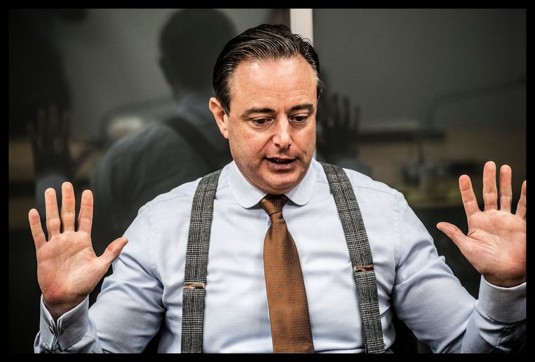 Bart De Wever: 'Geen haar op mijn hoofd dacht eraan mevrouw El Kaouakibi op onze lijst te zetten. Als iemand dat had voorgesteld, zou ik daar met veel overtuiging voor zijn gaan liggen. Het klikte niet.' Beeld Saskia Vanderstichele
